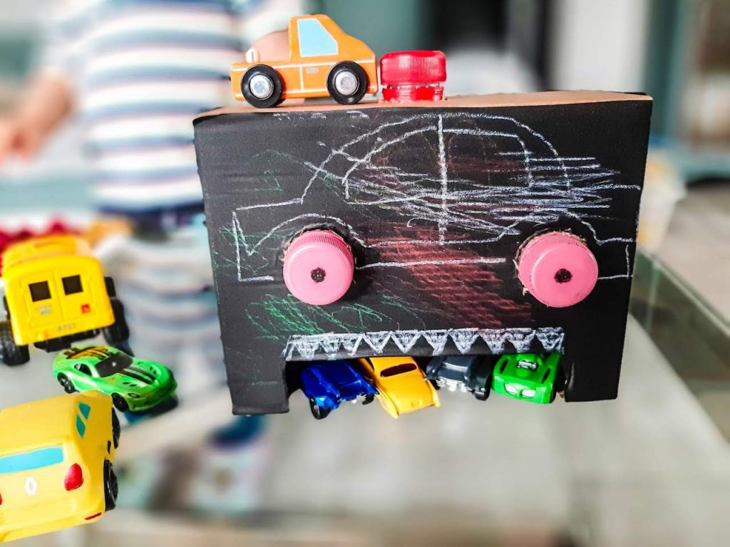 Feed the robot with cars - Fine Motor Skills Activities