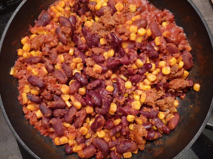 GROUND BEEF, RED KIDNEY BEANS AND CORN SKILLET