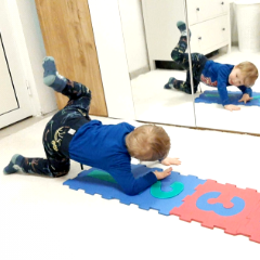 Read more about the article FUN INDOOR WORKOUT FOR KIDS YOGA AND BALLET INSPIRED