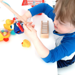 Read more about the article QUIET TODDLER ACTIVITY – FISHING STATION