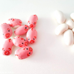 EASY FINE MOTOR AND SENSORY ACTIVITIES WITH DIY PIGGIES