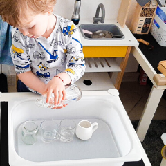 THE 10 BEST WATER ACTIVITIES TO KEEP TODDLERS BUSY