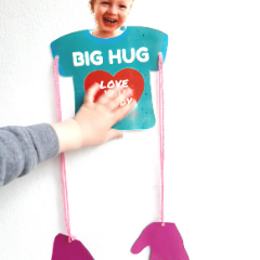 EASY BIG HUG FATHER'S DAY CARD