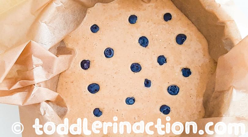 Healthy oatmeal blueberry cake
