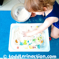 Read more about the article EASY ALPHABET ACTIVITY SENSORY BIN