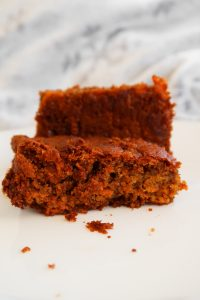 Easy Oatmeal Carrot Cake Recipe
